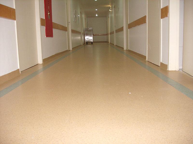 Piso hospitalar super pisos for Modelos de granitos para pisos